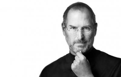 iPhone de luxo vem com pedaço da blusa de Steve Jobs e vale mais de R$30 mil