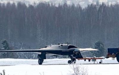 Drone militar de combate russo faz seu primeiro voo; confira em vídeo