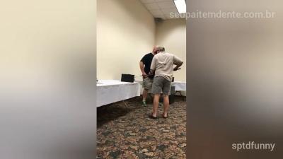 Aula de adestramento de serpente