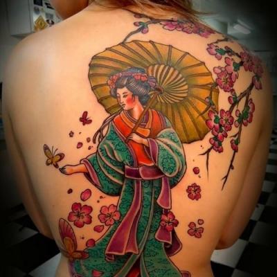 A incrível obra de arte inspiradora em forma de tatuagem para costas
