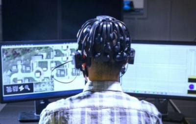 Agência americana usa ondas cerebrais de gamers para treinar robôs