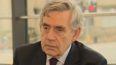 """Ex-primeiro-ministro britânico quer formar """"governo mundial"""" para combater coron"""