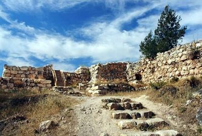 Arqueólogos descobrem templo cananeu em cidade bíblica destruída por Josué