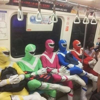 A triste vida de cosplay voltando dos eventos do mundo geek