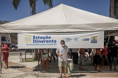 Distribuição de máscaras no Recife