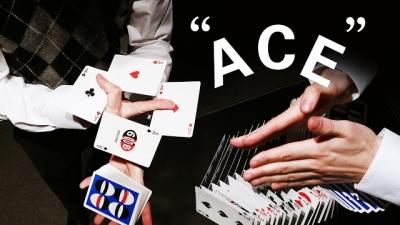 Homem mostra truques de cartas feitos somente com sua agilidade