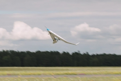 O avião de longa distância Flying V faz seu primeiro voo
