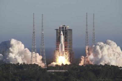 Nave espacial chinesa lançou objeto misterioso no espaço