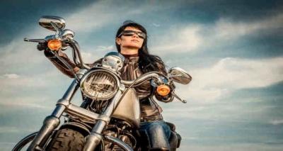 Grávida Pode Andar de Moto? Traz Riscos?