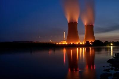 O que as maiores mentes do mundo pensam sobre energia nuclear