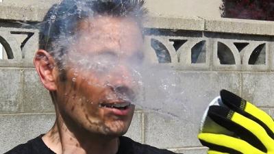 O que nitrogênio líquido faz com seu rosto?