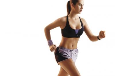 Exercícios físicos podem aliviar dores da menstruação, aponta estudo