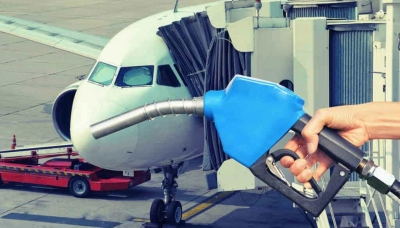 Nova tecnologia transforma resíduos plásticos em combustível para aviação