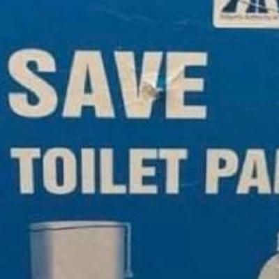 Economize papel higiênico!..use o dois lados kjj