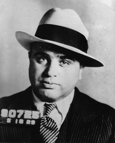 Conheça a história dos criminosos mais famosos do mundo - Al Capone