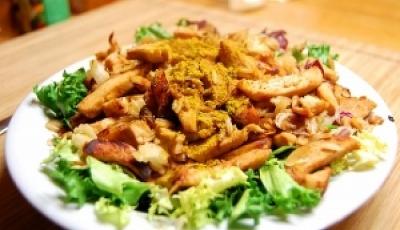 Salada quente de peixe