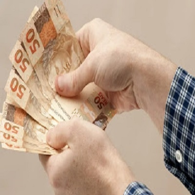 13º salário de aposentados e pensionistas do INSS é adiantado: calendário