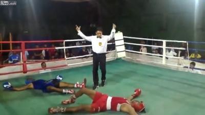 Boxeadores conseguem se nocautear ao mesmo tempo