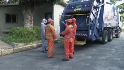 Doméstica joga R$ 10 mil de patroa no lixo por engano