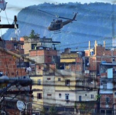 Nas favelas até a pandemia de coronavírus atualmente
