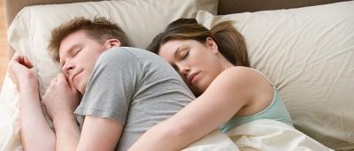 8 coisas que seu corpo e mente fazem enquanto você dorme