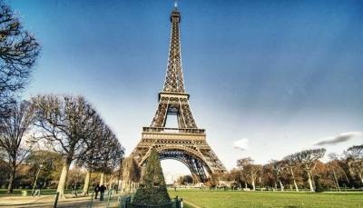 Igrejas evangélicas crescem na periferia de Paris