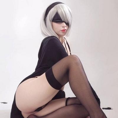 Nier Automata - Cosplay gostosa da semana