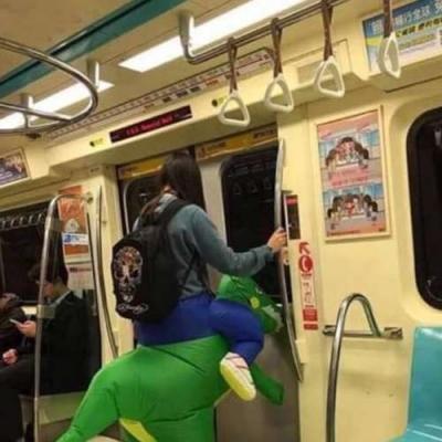 Coisas aleatórias, que você só vê no Metro