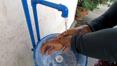 Compesa instala lavatórios em locais públicos
