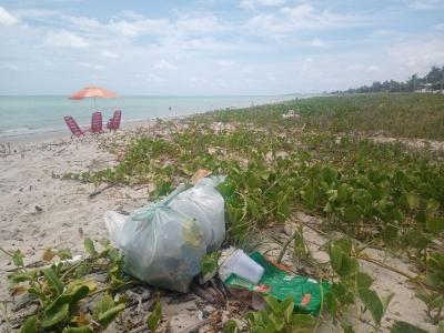 Lixo deixado nas praias