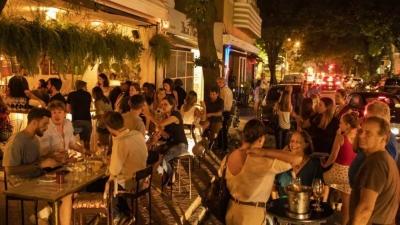 País pagará caro por abrir bar antes da escola