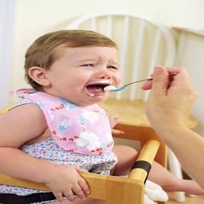Como fazer uma criança comer o almoço