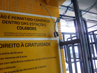 Perigo dentro de estação de ônibus