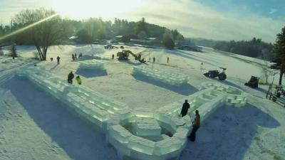 Veja como eles construíram um palácio apenas com gelo