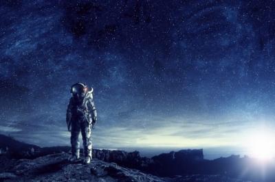Bilionário japonês que vai à Lua busca 8 companheiros para a viagem