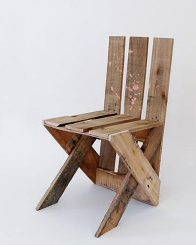Como fazer uma cadeira para criança com uma palete