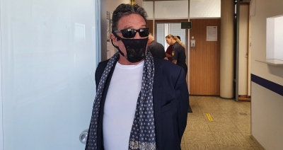 Criador McAfee antivírus é preso por usar calcinha como máscara