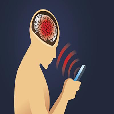 Dormir com o celular próximo a cabeça causa câncer?