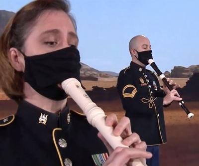 Banda do exército americano toca tema de Mandalorian