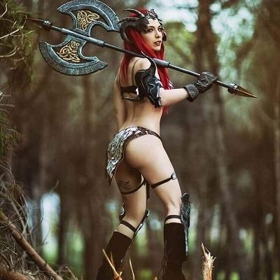20 motivos para você gostar de mulheres que fazem cosplay da Red Sonja