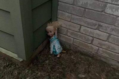 Família diz ser assombrada por boneca Frozen