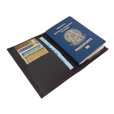 Como manter o seu passaporte limpo, intacto e livre do novo coronavírus