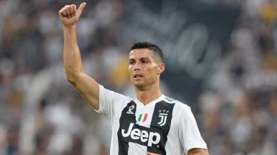 Ex-jogadores da Inglaterra dizem que Ronaldo é bem melhor do que Messi