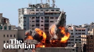 Veja o momento exato que misseis atingem um prédio em Gaza