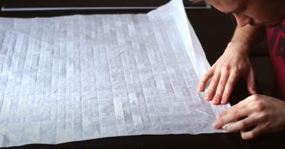 Homem leva 50 horas pra fazer um samurai de origami
