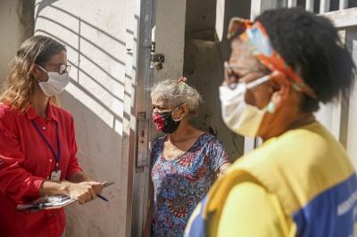 Agentes visitam casas de pessoas de risco da covid-19