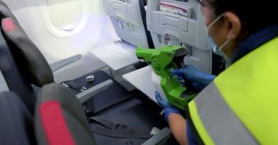American Airlines comprova eficiência de produto de limpeza contra o vírus