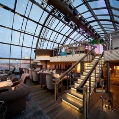 Conheça os bares de luxo que mais parecem um hotel
