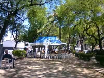 Culto dentro da Praça