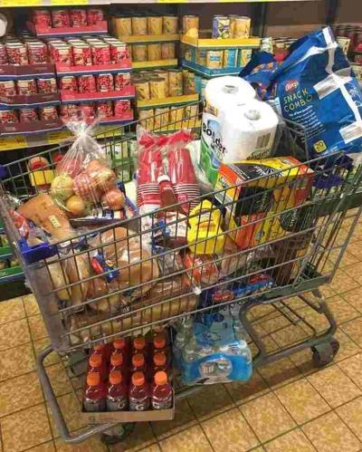 Nove truques que os supermercados usam para o levar a comprar mais